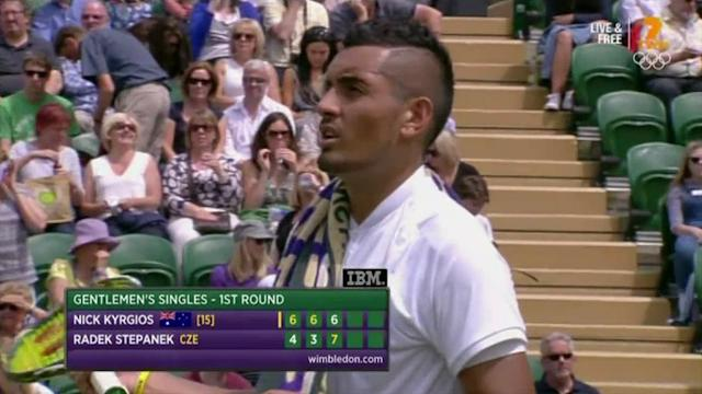 Kyrgios argues with umpire after warning