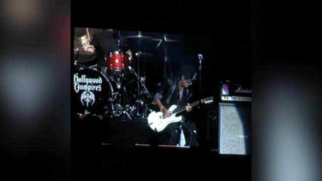9RAW: Joe Perry collapses on stage during concert