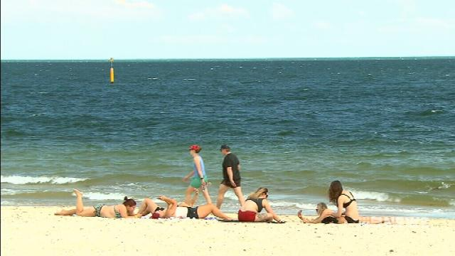 VIDEO: Increased skin cancer risk with unpredictable Melbourne weather