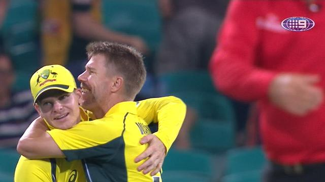 Brilliant Smith guides Aussies to victory