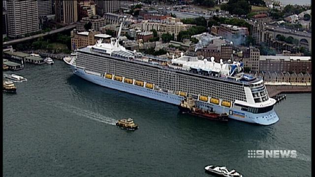 VIDEO: Circular Quay hosts Australia's biggest cruise ship