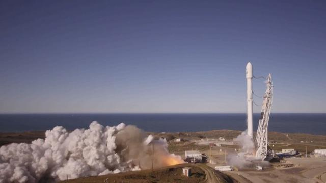 VIDEO: SpaceX launches first flight months after rocket explosion