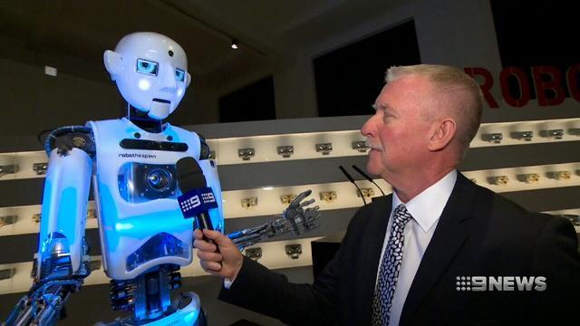 New London exhibit celebrates the world of robots