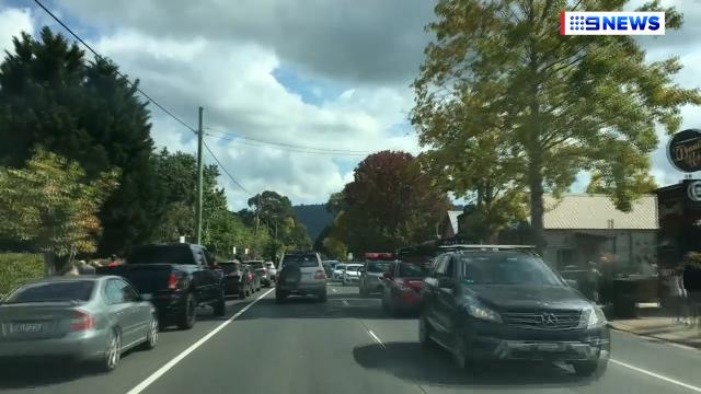 9RAW: Traffic piled-up south of Sydney