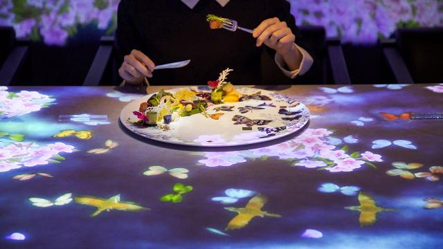 The Tokyo restaurant where your food interacts with the table