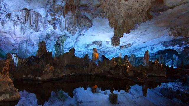 Inside China's amazing Reed Flute Cave