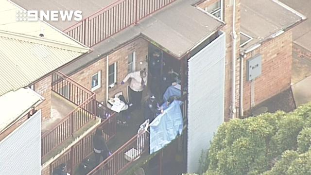 9RAW: Police raid homes in Melbourne's north