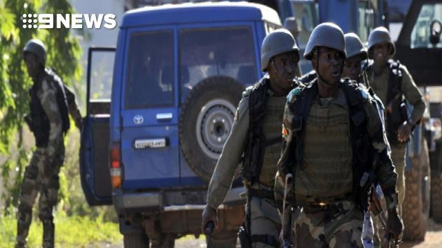 Popular tourist resort 'under attack' in Mali