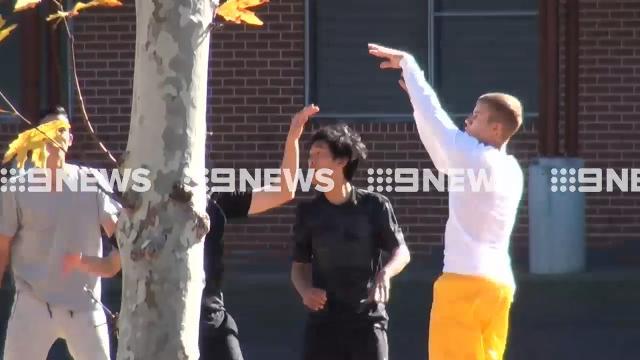 Justin Bieber plays basketball in Sydney