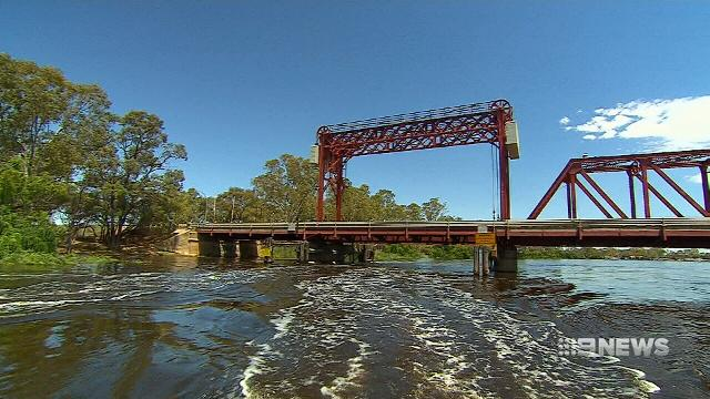 Calls ramped up for judicial inquiry into claim of stolen water from the Murray Darling basin