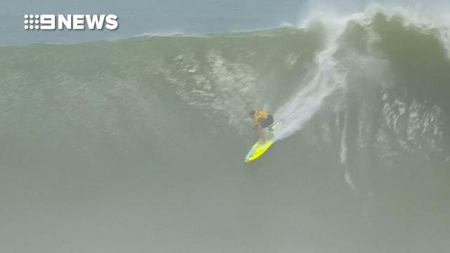 Aussie Jack Mitchell takes on huge surf in Mexico