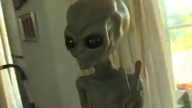 Alien trauma counsellor helps terrified people who believe they've seen aliens