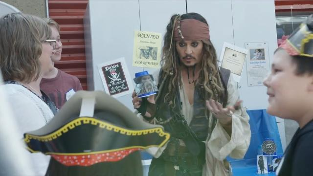 Johnny Depp makes special 'Pirates of the Caribbean' appearance at Canadian children's hospital