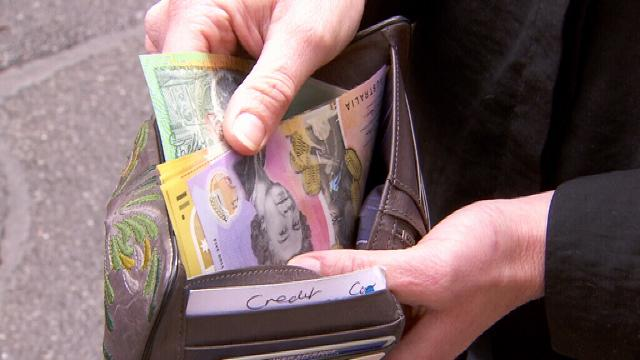 Wallet stuffed with $1000 returned to owner